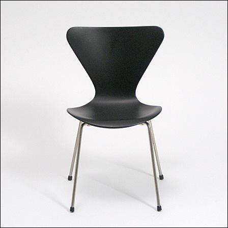 Jacobsen,-3107Vitra00