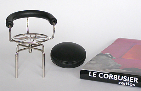 Le-Corbusier-Siege-1Serie-002