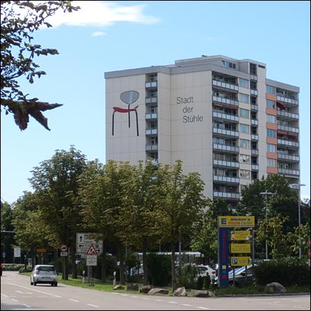 Stadt-der-Sttuehle-01