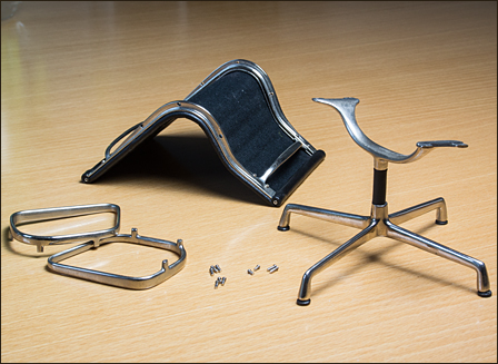 Eames-Alu-Chair-EA105-01