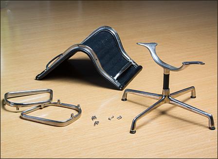 Eames-Alu-Chair-EA105-01