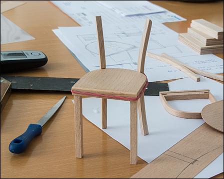 die abbildungen oben und unten zeigen die miniatur vor dem. Black Bedroom Furniture Sets. Home Design Ideas